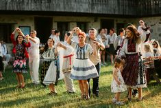 Iulia-Andrei-traditional romanian wedding_land of white deer (52)