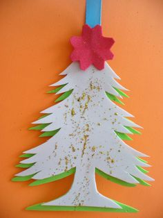 DIY Christmas Tree Card - Easy Card Kids Can Make for Their Teachers, Grandparents, Friends....