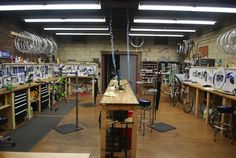 Ten of the world's coolest bike shops | Cycling Tips
