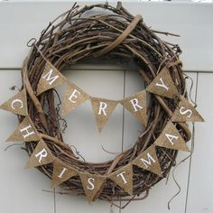 What a simple idea for a Christmas wreath! Struggling to figure out what to do...before I know it the season will be done and I will have no wreath!