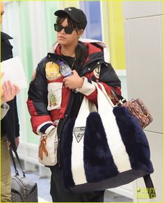 Rihanna Stays Warm in a Winter Jacket While Arriving in NYC Ahead of Grammys 2018!