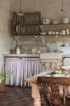 Inspiring rustic country kitchen ideas to renew your ordinary kitchen. Modern Rustic Decor, Rustic Kitchen Design, Kitchen Decor, Kitchen Ideas, Modern Country, Kitchen Sink, Kitchen Shelves, Country Decor, Rustic Chic