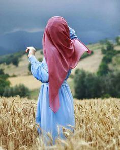 Hidden Face Stylo girl in wheat field Dp Pic Wallpaper The post Hidden Face Stylo girl in wheat field Dp Pic Wallpaper appeared first on Wallpaper DPs. Hijab Chic, Stylish Hijab, Hijab Style, Stylish Girl, Hijabi Girl, Girl Hijab, Hijab Outfit, Muslim Girls, Muslim Women
