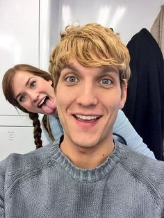 Scott and Elizabeth I'm so sad they're leaving this season. I loved Kristoff and Anna! Wish they could be regulars!