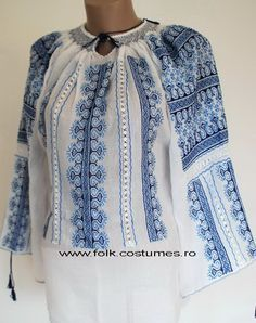 la belle blouse roumaine: ie romaneasca Polish Embroidery, Embroidery Dress, Embroidered Clothes, Embroidered Blouse, Peasant Blouse, Peasant Tops, Bohemian Tops, Bohemian Style, Polish Clothing