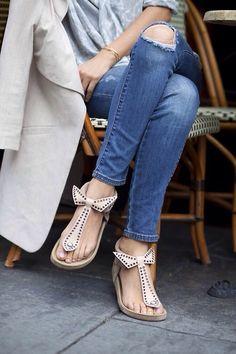 Bow beige sandals.. so cute!
