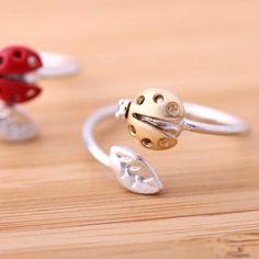 ladybug leaf ring, adjustable in silver