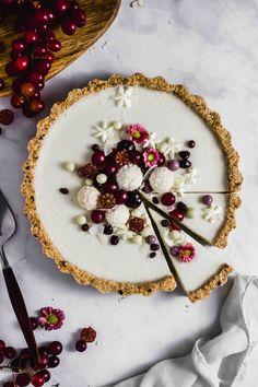 Weiße-Schokolade-Kokos-Tarte & vegan & Flowers in the Salad Weiße-Schokolade-Kokos-Tarte & vegan & Flowers in the Salad