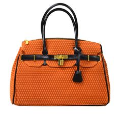 Etasico Italian Designer Leather Handbags Made in Italy Cognac. Stylish Handbags, New Handbags, Fashion Handbags, Italian Leather Handbags, Designer Leather Handbags, How To Make Handbags, Hermes Birkin, Italy, Luxury