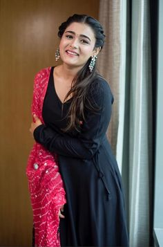 Shalini Pandey in a black anarkali suit teamed with a bright pink bandhani dupatta by The Anarkali Shop. Silver earrings by PraDe finished off her ethnic look. Dress Indian Style, Indian Fashion Dresses, Indian Designer Outfits, Fashion Outfits, Silk Kurti Designs, Kurta Designs Women, Kurti Designs Party Wear, Long Dress Design, Stylish Dress Designs