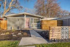 As a top specialized Denver area real estate broker, Adrian Kinney offers Cliff May, MCM, Mid-Century Modern homes for sale. Contact Adrian now! Midcentury Modern Front Door, Cliff May, May House, Mid-century Modern, Modern Design, Modern Homes For Sale, Modern Architects, Modern Fireplace, Mid Century House