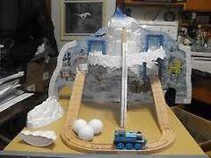 wooden train mountain - Hledat Googlem Wooden Train, Thomas The Train, Mountain, Cool Stuff