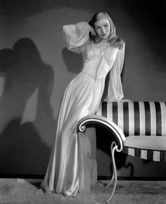 Veronica Lake in a 1940s nightgown. Yes. A nightgown. Why were the night gowns classier than todays dresses??
