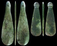 new zealand maori weapon Polynesian People, Polynesian Art, Maori Tribe, Maori Art, Kiwiana, Carving Designs, Samoan Tattoo, Jade Jewelry, Bone Carving