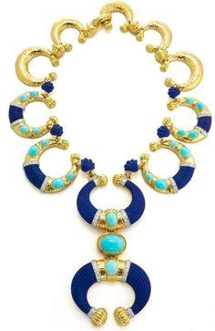 David Webb New York - Carved lapis lazuli, cabochon turquoise, brilliant-cut diamonds, gold, and platinum Jewelry Art, Gold Jewelry, Vintage Jewelry, Jewelry Necklaces, Fine Jewelry, Beaded Necklace, Unique Jewelry, Jewellery, Jewelry Ideas