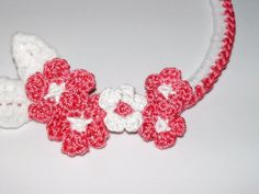 Plus Size Crochet Flower Necklace Pink White by CrochetMadness4U.etsy.com