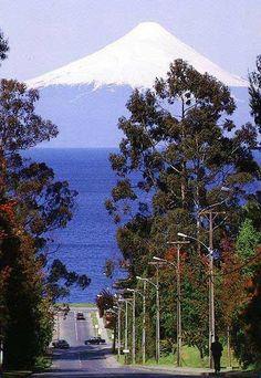 frutillar chile with Volcan Osorno in the background | FRUTILLAR-CHILE - AYUDA-AMISTAD - Gabito Grupos