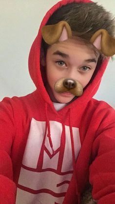 He looks so good in the dog filter❤❤❤❤
