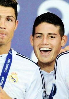James Rodríguez y Cristiano Ronaldo