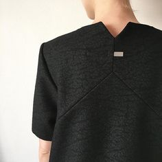 - ATTENTION TO DETAIL -  Back Top Detail AKIN TO _______ Belgian Brand collection Plomb AW15