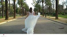 Lady, White Dress, Wedding Dresses, Fashion, Veils, Nice Asses, Bride Dresses, Moda, Bridal Gowns