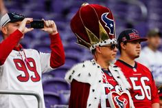 Texans vs. Vikings:  October 9, 2016  -  31-13, Vikings.      Houston Texans fans watch warm ups before an NFL football game against the Minnesota Vikings at U.S. Bank Stadium on Sunday, Oct. 9, 2016, in {city. Photo: Brett Coomer, Houston Chronicle / © 2016 Houston Chronicle