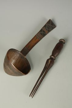 #Fijian ritual #cannibal #fork offered at Duke's #Auction Sale>> http://stfi.re/yrynzdl