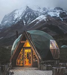 "12.7 k likerklikk, 56 kommentarer – Nature (@national.earth) på Instagram: ""Dome Living Ecocamp Patagonia ~ Photograph By @sashajuliard Via @wow_planet #natgeography"""