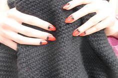 svarta spetsiga naglar - Sök på Google