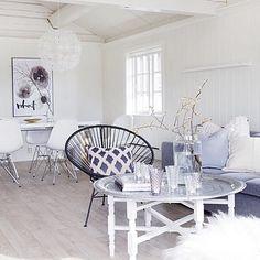 Livingroom / hillllldes's photo on Instagram