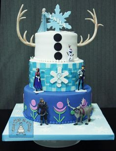 Everyone's a little Frozen - Cake by Onetier