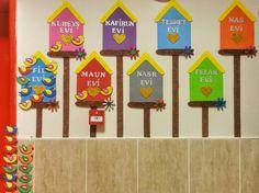 Board Decoration, Class Decoration, Pre School, Sunday School, Kids Corner, Kindergarten Activities, Classroom Decor, Art For Kids, Diy And Crafts