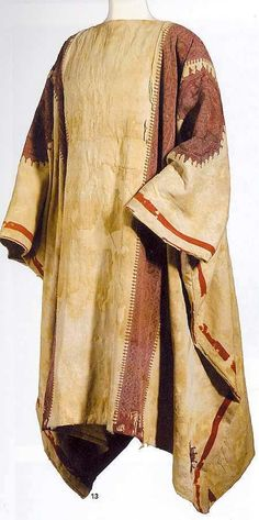 Ancient Egyptian tunic was made out of linen that was worn by both men and women as an everyday article of clothing. This was prevalent towards both the upper and non-laboring class. Historical Costume, Historical Clothing, Ancient Egyptian Dress, Textiles, Ottoman, Fashion History, Paisley Print, Indian Outfits, Fashion Outfits