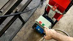 """Двухконтурная гидростанция для внутренних нужд нашего производства.  Построена на основе двигателя АИР90L4 (2.2 кВт, 1400 об/мин) и шестеренчатого насоса рабочим объемом 4 см3 с рабочим давлением 250 бар (макс. 280 бар). Объем гидробака 20 л. Подключение гидроинструмента быстроразъемное, 1/2"""". Home Appliances, House Appliances, Appliances"""