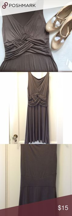 Olive Green/Gray Jersey Dress Worn once for an event, like-knew condition. Very comfortable, flowy jersey material that is stretchy and soft. Flatters your figure with the criss-cross across the lower chest. Great for a casual fall day or dressed up for formal wear! Soprano Dresses Midi