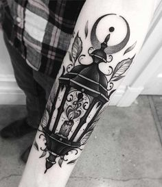 Lantern Tattoo by Franki Tattoo Neotraditional Tattoo, Backpiece Tattoo, Moth Tattoo, Tattoo On, Tattoo Drawings, Tattoo Photos, Sky Tattoos, Wolf Tattoos, Sleeve Tattoos