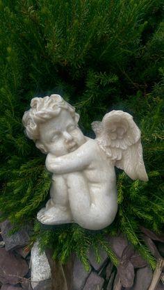 Sleeping cherub - www. Cherub, Garden Sculpture, Outdoor Decor, Inspiration, Products, Biblical Inspiration, Inspirational, Gadget, Inhalation