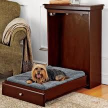 Pet Murphy Bed Pull-down pet bed saves space, looks good! How clever! This handsome piece of furniture looks like a wall cabinet but is actually a space-saving Murphy bed for your pet. Unlike regular pet beds, this one stays out of sight until bedtime! Murphy Bed Plans, Murphy Beds, Pet Beds, Dog Bed, Doggie Beds, Dog Couch, Car Sofa, Chien Springer, Cama Murphy
