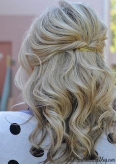 Casual Half-Up: This hairstyle is perfect for the no-fuss, casually elegant brides. It's quick and easy enough to DIY for your laid back wedding or bridal brunch. Learn how to tame your shorter tresses with this easy to follow tutorial. (Photo by The Small Things Blog)