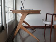 Marken Desk by Claudio Sibille, via Behance - I want one now!