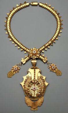 Portuguese Gold Necklace: