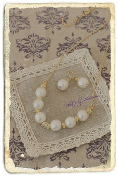 Accessories of the cotton pearl.