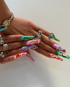 Edgy Nails, Funky Nails, Stylish Nails, Swag Nails, Nail Design Stiletto, Nail Design Glitter, Cute Acrylic Nail Designs, Drip Nails, Bling Acrylic Nails