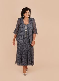 A beautifully laced outfit for a wedding guest or mother of the bride/groom with a fuller figure or plus size.   #fashion #froxoffalkirk #ootd