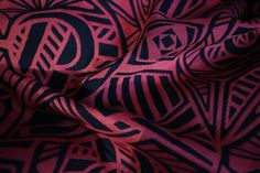 Baby Carrier Wrap Yaro Urban Geo Contra Corail Black Tencel, made by Yaro Slings, in pattern Urban Geo Contra, contains cotton tencel Limited Edition, released 13 December thickness 325 Baby Carrying, Baby Wrap Carrier, Tribal Tattoos, Geo, Urban, Pattern, Cotton, Black, Coral