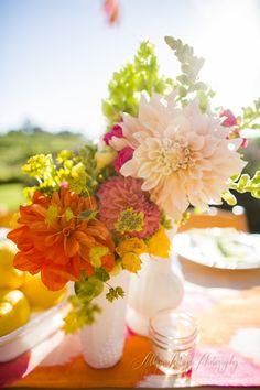 Wedding centerpieces : wonderful bright flowers | Casarei