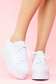 26 Platform High Heels To Copy Asap #sneakers  #shoes  #trainers  #adidas Platform Tennis Shoes, White Platform Sneakers, White Shoes, Puma Platform, Shoes Sneakers, Platform Converse, Platform Wedge, Black Platform, White Sneakers