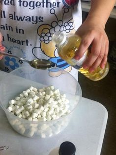 diy marshmallow creme from marshmallows and corn syrup