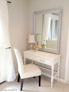 Would love to have this in my new room! The mirror would be great for allowing more light. A small vanity table or desk for the bedroom. Top 10 Thrift Store Shopping Tips: How To Decorate on a Budget Budget Bedroom, Home Bedroom, Bedroom Decor, Warm Bedroom, Bedroom Corner, Mirror Bedroom, Trendy Bedroom, Bedroom Colors, Bedroom Vanities