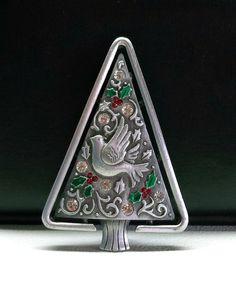JJ Christmas Tree pin brooch Jonette Dove pewter